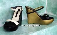 Vicini wedges in gold and black